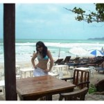 Maria Wasti & Ayesha Omer Thailand Beach Pictures (8)