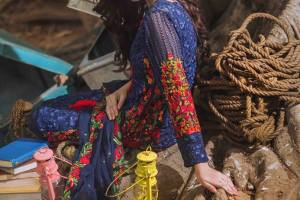Mina Hasan Winter Volume 2 Collection 2016 By Shariq Textile (7)