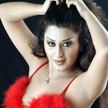 Lollywood actress Laila 25th Birthday Wwned 5 Lakh gift