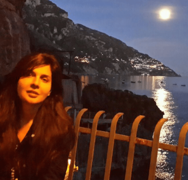 Mahnoor Baloch In Greece HD Pics Download