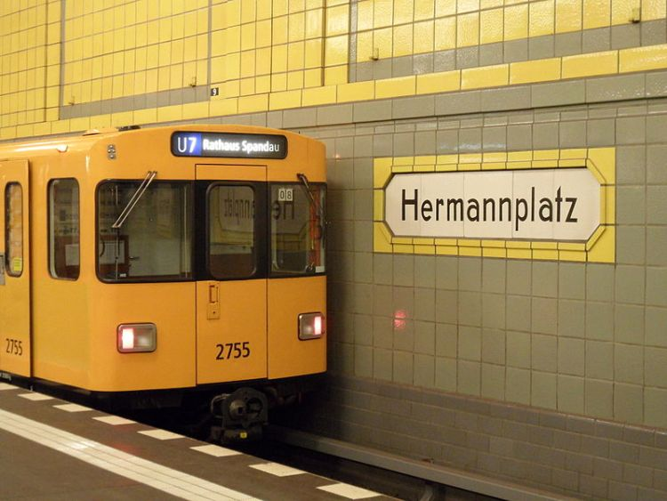 800px-Berlin_-_U-Bahnhof_Hermannplatz_-_Linien_U7_und_U8_(6335039563)