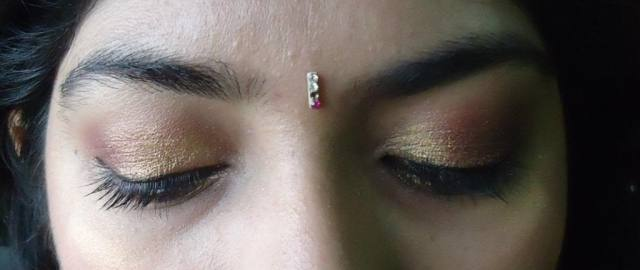 FOTD: Gold and Berry Eyes for Indian wear