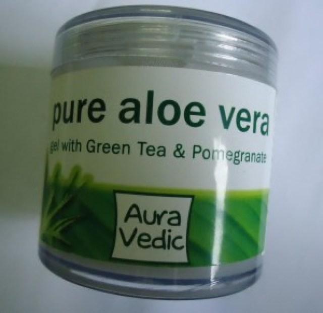 Auravedic Pure Lightening Skin Polish with Sandal Turmeric, Pure Aloe Vera Gel with Green Tea & Pomegranate Review