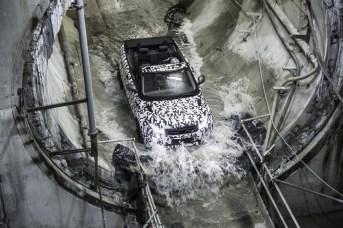 Range Rover Evoque en test dans l'eau