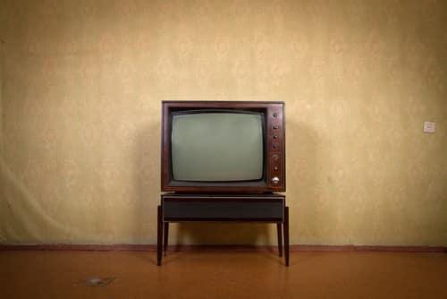 Canone rai chiarimenti sulla tassa tv bianco lavoro for Canone rai 2017 importo