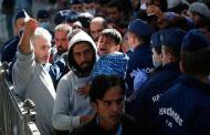 هنغاريا تحتجز أكبر عدد من اللاجئين السوريين بيوم واحد