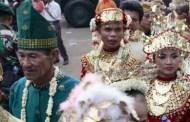 في إندونيسيا .. مقاطعة تقرر تزويج أي شاب وفتاة يتم ضبطهما في خلوة