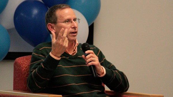 Larry Fuell, Director of Shoreline's Global Affairs Center, leads a discussion.
