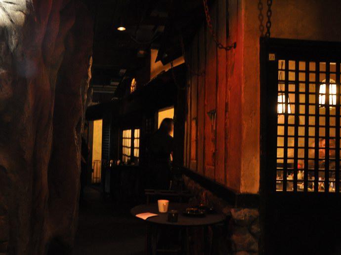 جانب من المطعم