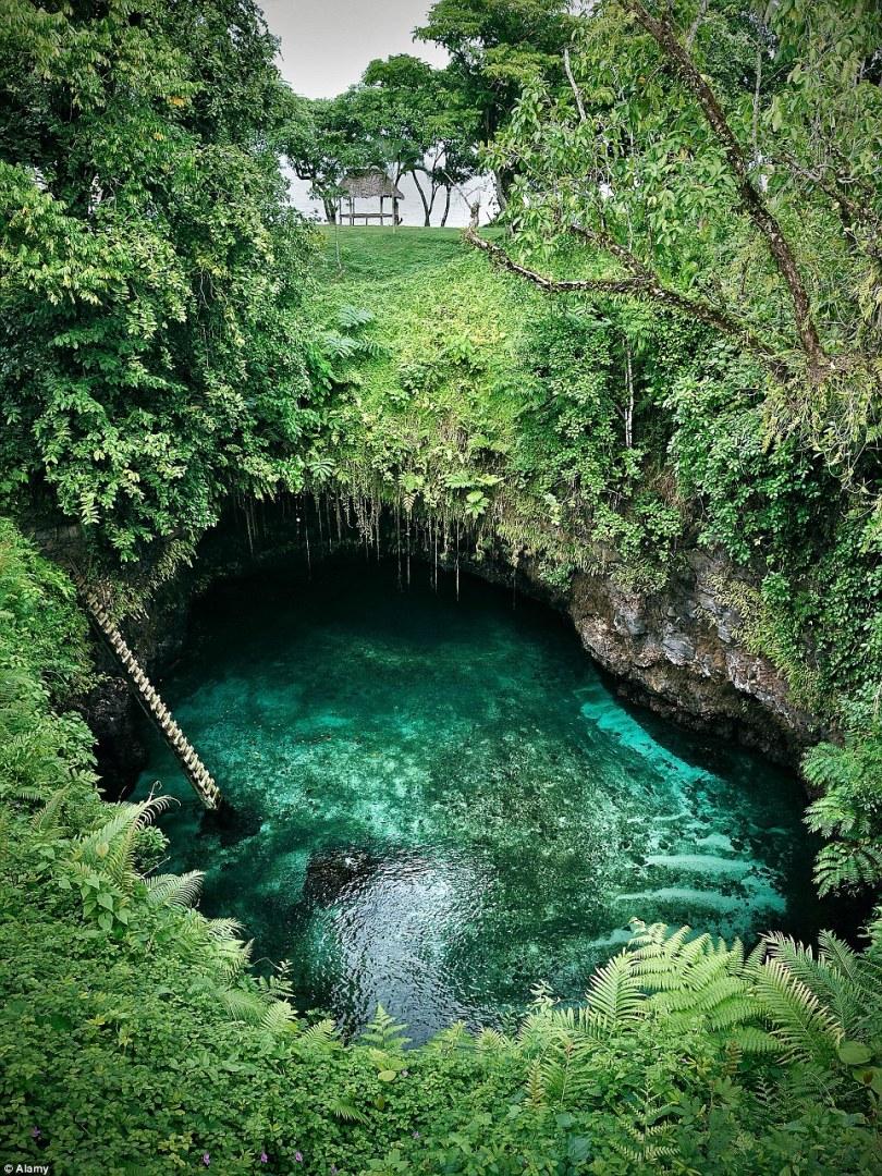 الثقب العملاق للسباحة 2