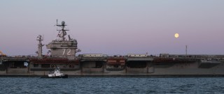 USS Abraham Lincoln (CVN-72) arrives at Newport News Shipbuilding for its 44-month refueling complex overhaul (RCOH) on March 28, 2013. HII Photo