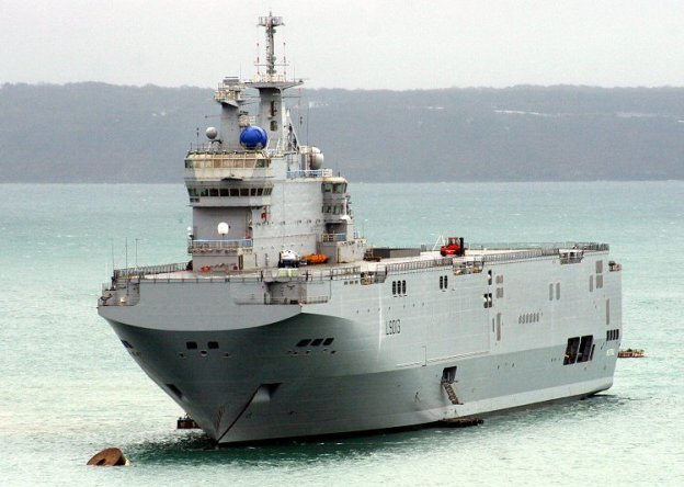 An image of the French-built amphibious warship Mistral (L-9013).