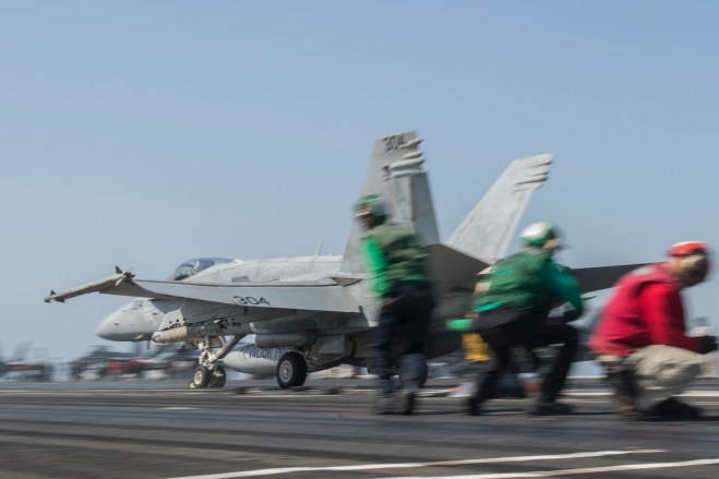 Navy: Most Carrier Sorties Over Iraq Are Surveillance Missions