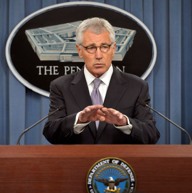 Hagel Defends Pace of U.S. Arms to Iraq for ISIS Fight