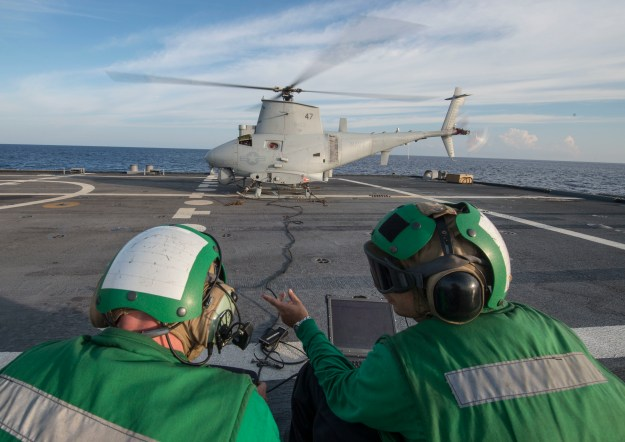 Sailors aboard the littoral combat ship USS Fort Worth (LCS 3) prepare to launch an MQ-8B Fire Scout unmanned aircraft system from Helicopter Maritime Strike Squadron (HSM) 35 on Aug. 16, 2015. US Navy photo.