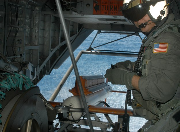 Aviation Electrician's Mate 2nd Class Tony Lio maneuvers an AQS-24 mine locator during a mine countermeasure operation during the Rim of the Pacific 2004 exercise. US Navy photo.