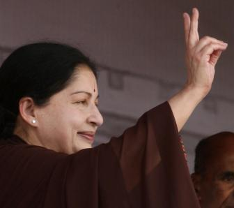 Jayalalithaa sworn in for 6th term as TN chief minister