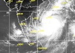 400,000 people being evacuated as Andhra braces for cyclone