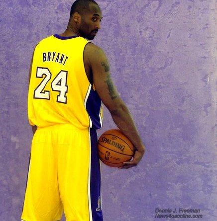Ready to strike: Kobe and the Los Angeles Lakers don't plan to take a backseat to anyone this NBA season./Photo/Dennis J. Freeman