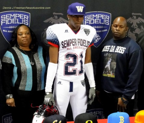 John Ross made his commitment to the University of Washington during the Semper Fidelis All-American Bowl at the Home Depot Center in Carson, California. Photo Credit: Dennis J. Freeman