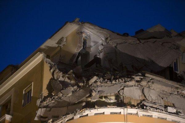 crollo di un palazzo sul lungotevere 5