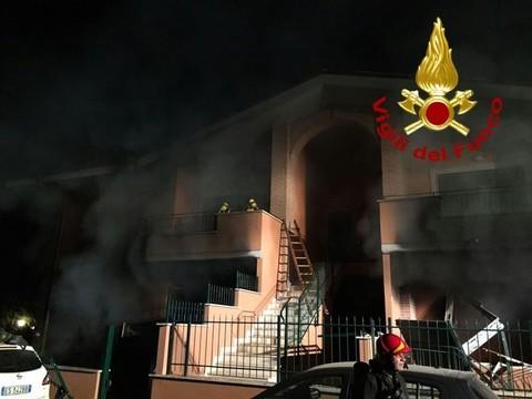 Marino, violenta esplosione in una villetta: due persone ferite gravemente