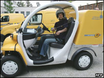 Un auto eléctrico de La Poste