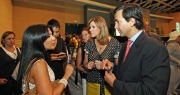 Gov. Luis Fortuo and First Lady Luc Vela spend time with entrepreneurial women at the Puerto Rico Convention Center Wednesday.