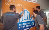 Members of the Cangrejeros basketball team make their pledge to the &quot;It can wait&quot; movement.