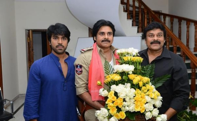 Pawan-Kalyan-Meets-Chiranjeevi_for-boss-is-back