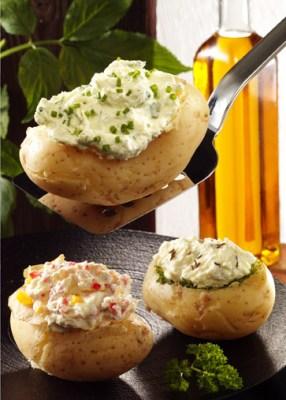 Gefüllte Kartoffeln mit Kräuterquark (cholesterinarm) Foto: Wirths PR