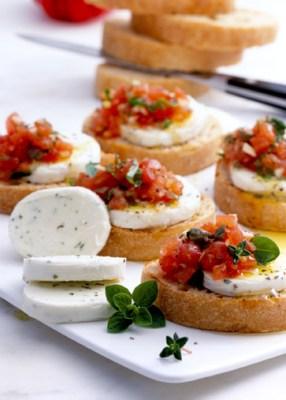 Mozzarella-Tomaten-Crostini (für Diabetiker) Foto: Wirths PR