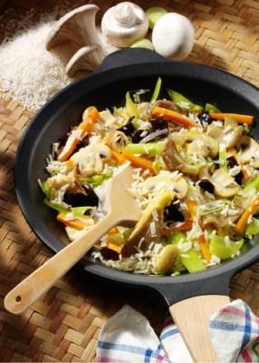 Reispfanne mit Pilzen (cholesterinarm) Foto: Wirths PR