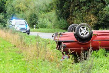 Über 2 000 Menschen starben 2012 bei einem Unfall auf der Landstraße. ADAC / © benjaminnolte - Fotolia.com