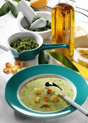 Schnelle Rezepte: Rahmsuppe mit Bärlauch-Pesto Foto: Wirths PR