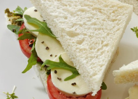 Diät-Rezept: Tramezzini mit Tomaten Foto: Wirths PR
