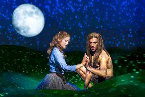 Gian Marco Schiaretti als Tarzan und Merle Hoch als Jane. © Stage Entertainment Stuttgart