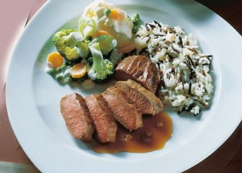 Reis-Rezepte: Lammrücken mit Rahmgemüse Foto: Wirths PR