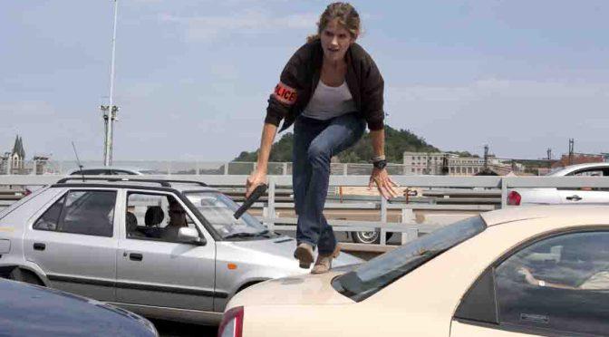 Kommissarin Claire Linné (Alice Taglioni) gibt bei der Verfolgung des Flüchtigen vollen Einsatz. © Foto: ZDF/ Sébastien Bossi