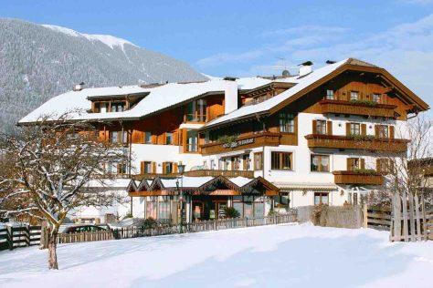 Südtirol. Nierrasen/Antholzer Tal. 3-Sterne-Hotel Adler © DER Touristik