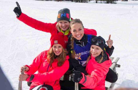 Star-Biathlon:  Langlaufneuling Mareile Hoeppner (l.), die treffsichere Schuetzin Ulla Kock am Brink (2.v.l.), das sportliche Model Alena Gerber (2.v.r.) und die Saengerin Stefanie Hertel (r.). © Foto: ARD/Ralf Wilschewski
