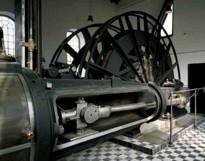 Die historischen Dampffördermaschine im Maschinenhaus der Zeche Nachtigall. Foto: LWL/Hudemann