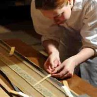 Wie aus Seidentüchern Reliquien werden