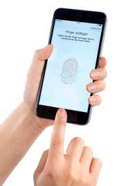 iPhone 6Lange hat Apple große Smartphones belächelt - jetzt reihen sich iPhones unter den größten ein. Foto: test.de
