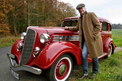 Martin Knauff und sein Oldtimer des Monats November Foto: HR/Uwe Becker