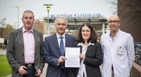 Prof. Andreas Ziegler, Prof. Jürgen Dunst, Dr. Katja Krockenberger, Prof. Achim Rody (v.l.n.r.; Foto: Olaf Malzahn) Foto: Uni Lübeck