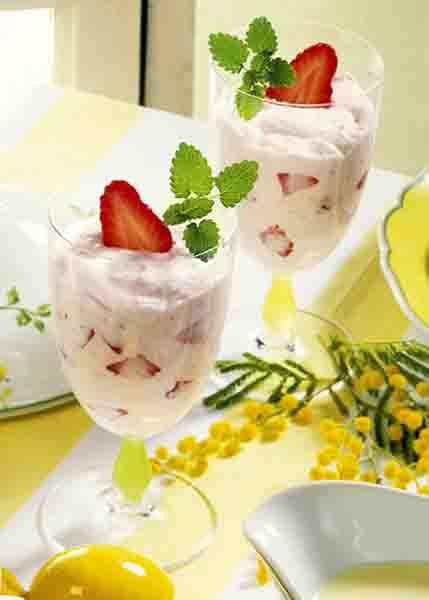 Erdbeer-Quarkdessert Foto: Wirths PR