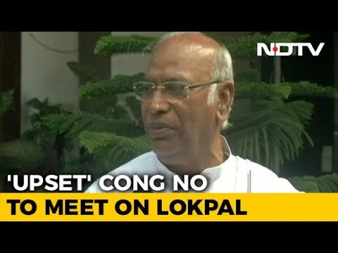 upset-congress-skips-lokpal-meet-urges-statesman-like-conduct-from-pm