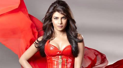 Priyanka Chopra Hot Bollywood Actress Wallpapers Images ...