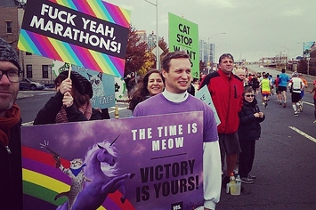 the-35-best-signs-from-the-nyc-marathon-1-18200-1383592658-9_big